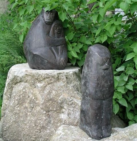 Skulpturengarten in der Arche Heinz Theuerjahr im Bergdorf Waldhäuser