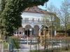Biergarten im Klosterhof Niederaltaich im Bayerischen Wald