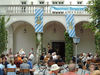 Eingang durch den Biergarten zum Klosterhof Niederaltaich