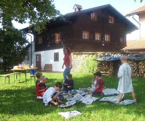 Blick auf das Jugendhaus in Niederalteich im Deggendorfer Land