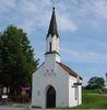 Blick auf die St. Johann-Nepomuk-Kapelle bei Niederalteich