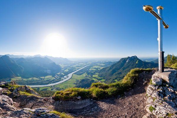 Gipfelpanorama mit bayerischem Gipfelkreuz