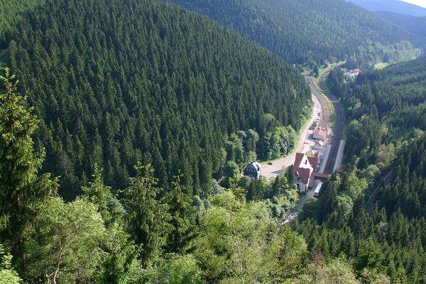 Blick vom Bärenstein auf den Bahnhof Oberhof