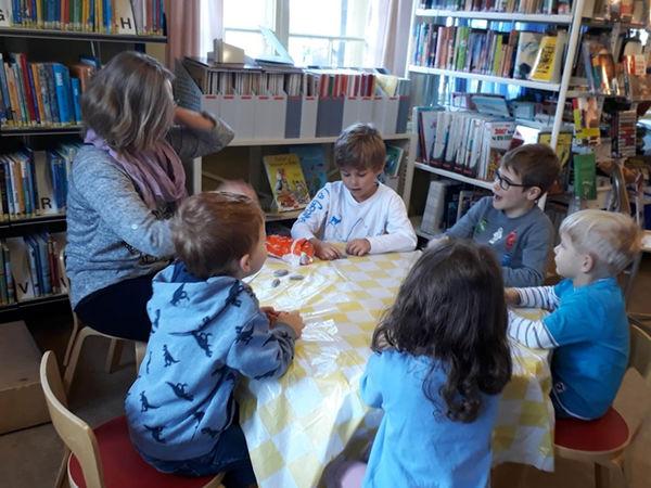 Bibliothek Obersaxen