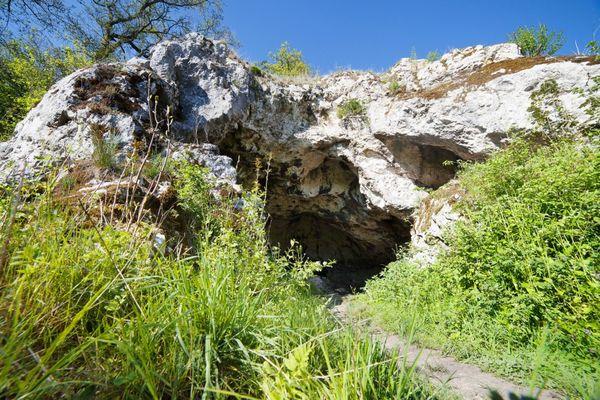 Oellingen Bocksteinhöhle