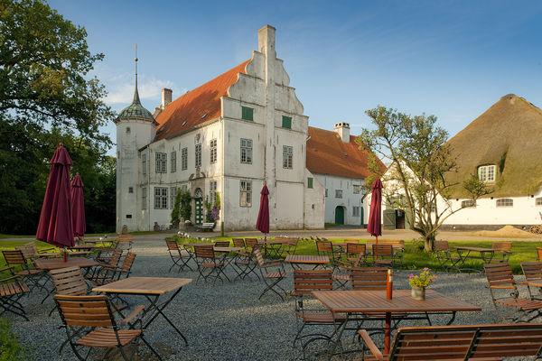 Herrenhaus Hoyerswort, Außenansicht