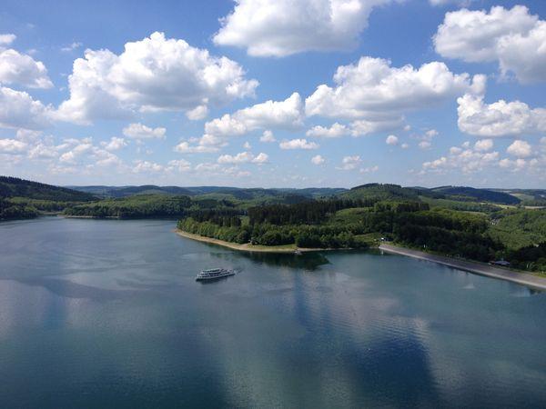Biggesee mit Personenschifffahrt, Foto Tourismusverband Biggesee-Listersee  Biggesee mit Personenschifffahrt
