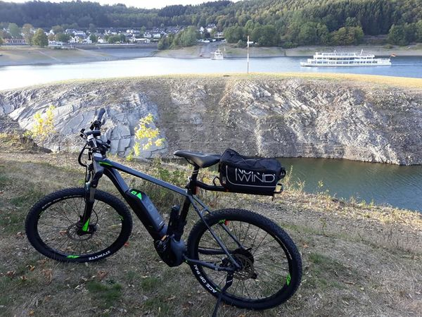 E-Bike vor Biggesee