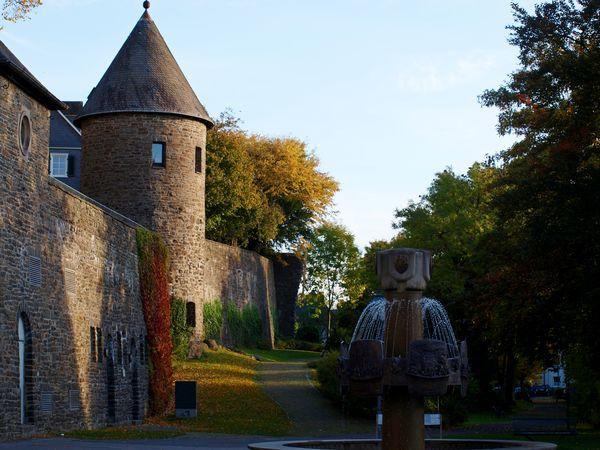 Stadtmauer mit Engelsturm