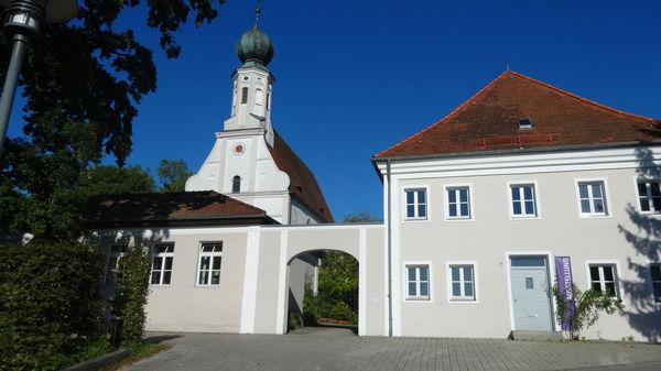 Marktkirche Ortenburg mit Kantorhaus