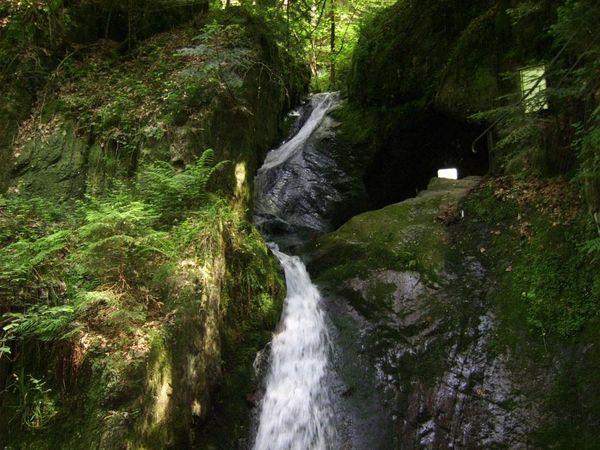 Wild-romantisch, die Edelfrauengrab-Wasserfälle