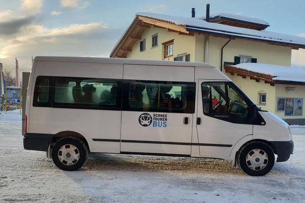 Schneetourenbus im Einsatz