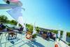 Auf dem Sonnendeck der Schiffe von Wurm & Noé lässt sich die Umgebung genüsslich beobachten