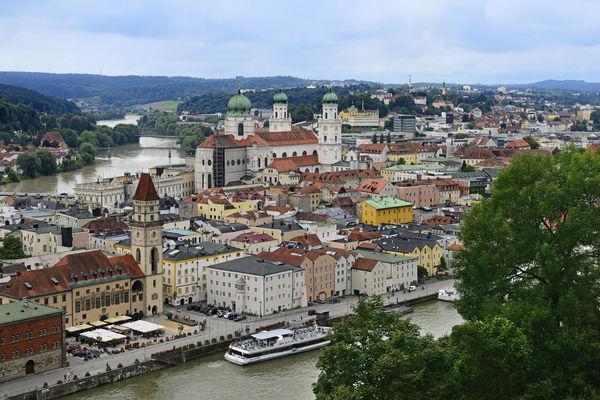 Die Drei-Flüsse-Stadt Passau ist von Inn, Ilz und Donau umschlossen