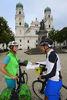 Vor dem Passauer Dom St. Stephan