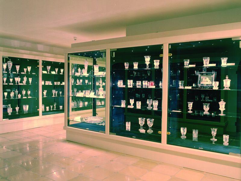 Ausstellung von böhmischer Glaskunst im Glasmuseum Passau