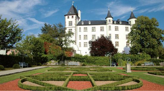 Perl Nennig Schloss Berg
