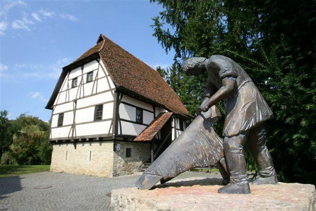 Stadtmuseum Schlössle und Handwerkerbrunnen