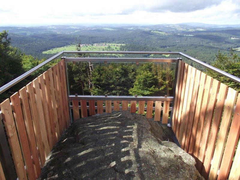 Herrliche Fernsicht vom Almberg bei Mitterfirmiansreut über den Bayerischen Wald