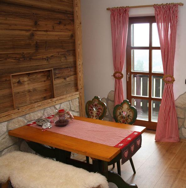 Gaststube in der Almberghütte