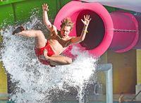Erlebnisbad und Rutschen-Gigant AquaMagis