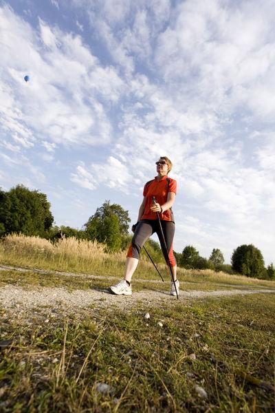 Erholen Sie sich beim Nordic-Walking durch Pocking