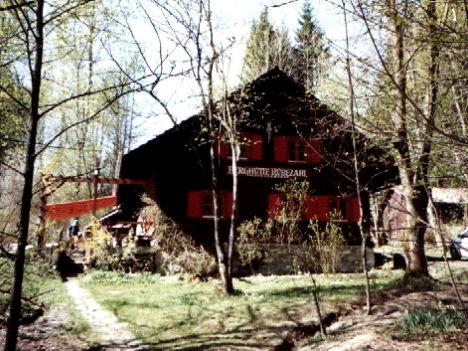 Blick auf das Jugenferienheim Berghütte Rübezahl im Bayerischen Wald