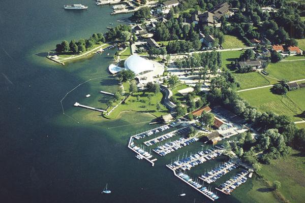 Sportboothafen Stippelwerft Prien am Chiemsee.