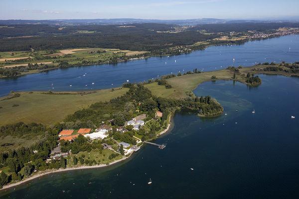 Halbinsel Mettnau mit Reha-Einrichtungen