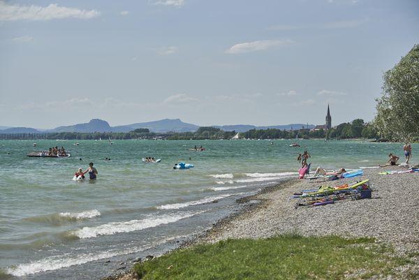 Blick vom Strandbad Mettnau auf Radolfzell