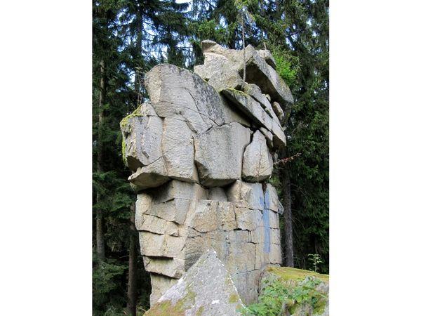 Die ungewöhnliche Felsformation Teufelsmühle bei Rattenberg im Bayerischen Wald