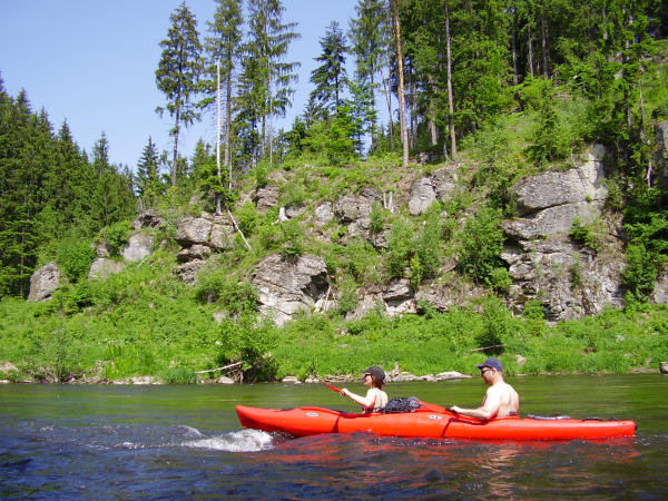 Hölzl-Kanutouren auf dem Fluss Regen im Bayerischen Wald