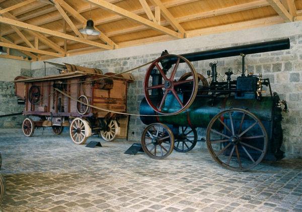 Alte Dampfmaschinen im Niederbayerischen Landwirtschaftsmuseum in Regen