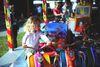 Volksfestspaß im Kinderkarussell bei der Auerer Kirwa