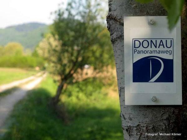 Die Wegemarkierung des Donau-Panoramaweges