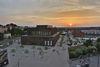 Reutlinger Stadthalle und Bürgerpark im Sonnenuntergang