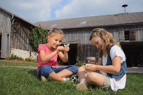 Kinder im Bauernhofmuseum Riedenburg