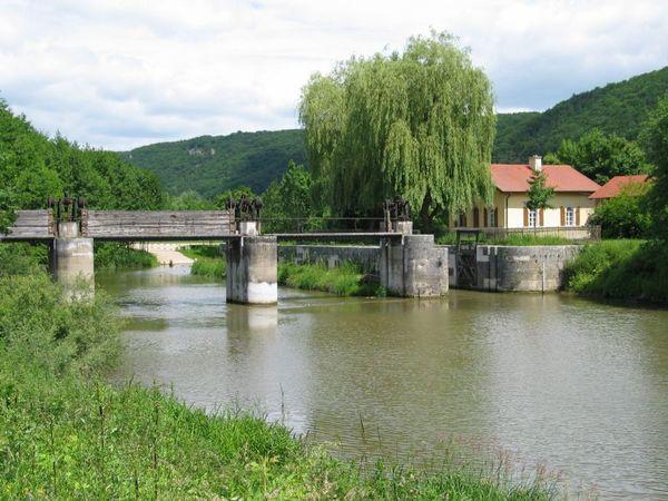 am alten Wehr am Ludwig-Donau-Main-Kanal in Riedenburg-Deising