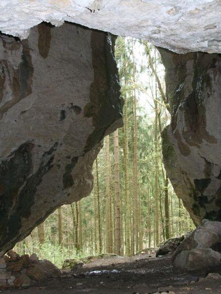 Kastlhänghöhle zwischen Riedenburg und Essing im Altmühltal