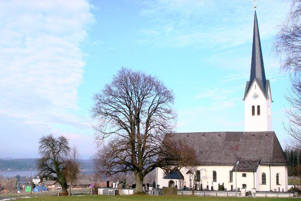 Wallfahrtskirche Maria Stern und St. Johann Baptist in Neukirchen am See.
