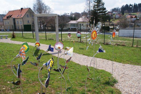 Kunstwerke aus Glas im Riedlhütter Wald-Glas-Garten am Nationalpark Bayerischer Wald