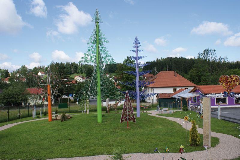 Gläserner Wald im Riedlhütter Wald-Glas-Garten am Nationalpark Bayerischer Wald