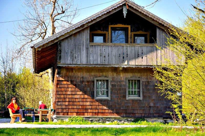 Forstdiensthütte Hohenbogen Hausansicht