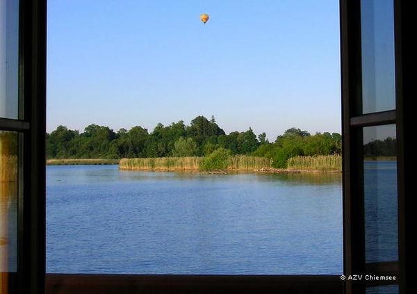 Blick aus der Naturbeobachtungsstation auf die Prien.