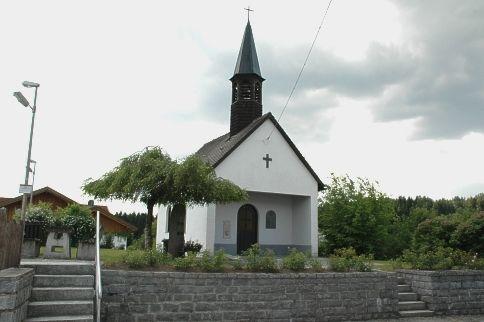 Blick auf die Dorfkapelle in Grub in der Gemeinde Rinchnach