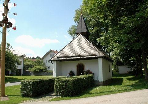 Blick auf die Dorfkapelle in Widdersdorf in der Gemeinde Rinchnach