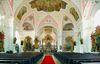 Innenraum der Pfarrkirche (ehemalige Klosterkirche) in Rinchnach