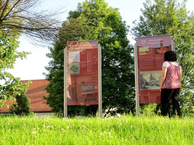 Infotafeln am Ausgangspunkt des Historischen Rundwegs in Rinchnach