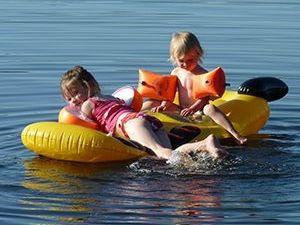 Kinderspaß am Neubäuer Badesee bei Roding
