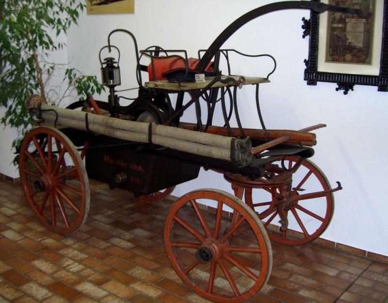 Handdruckspritze im Feuerwehrmuseum Roding im Land der Regenbogen